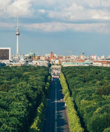 Blick von der Siegessäule zum Brandenburger Tor.