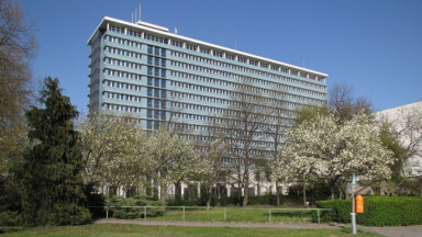 Gebäude Rathaus Mitte in der Karl-Marx-Allee 31